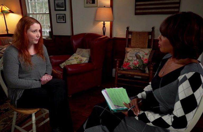La hija del director rompió el silencio y dio testimonio del dolor que tuvo que atravesar en su infancia