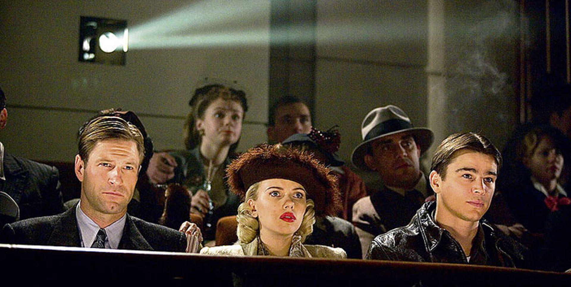 Aaron Eckhart, Scarlett Johansson y Josh Hartnett en La dalia negra, sobre la novela de James Ellroy