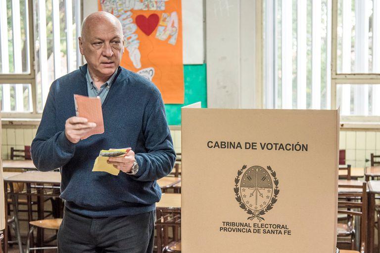 PASO en Santa Fe: Bonfatti es el más votado, pero el PJ saca ventaja como fuerza