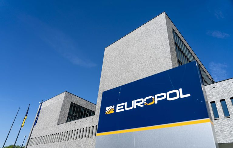 Vista de la sede de Europol antes de la conferencia de prensa sobre la mayor acción policial y judicial internacional contra el crimen organizado