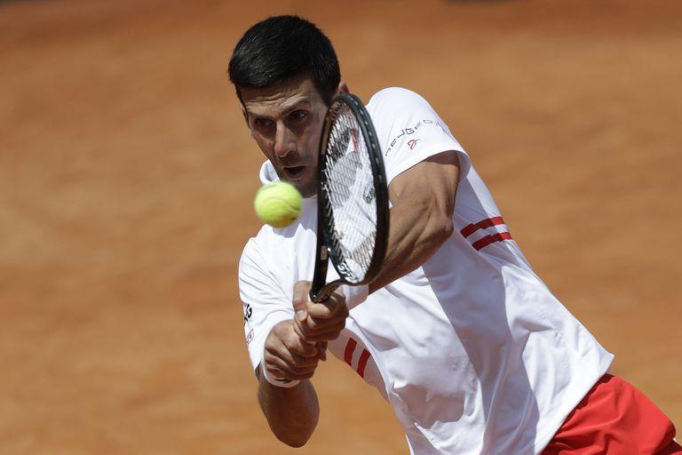 Djokovic venció a Lorenzo Sonego en la segunda semifinal del Masters 1000 de Roma; el italiano venía de jugar tres sets contra el ruso Andrey Rublev el mismo día.