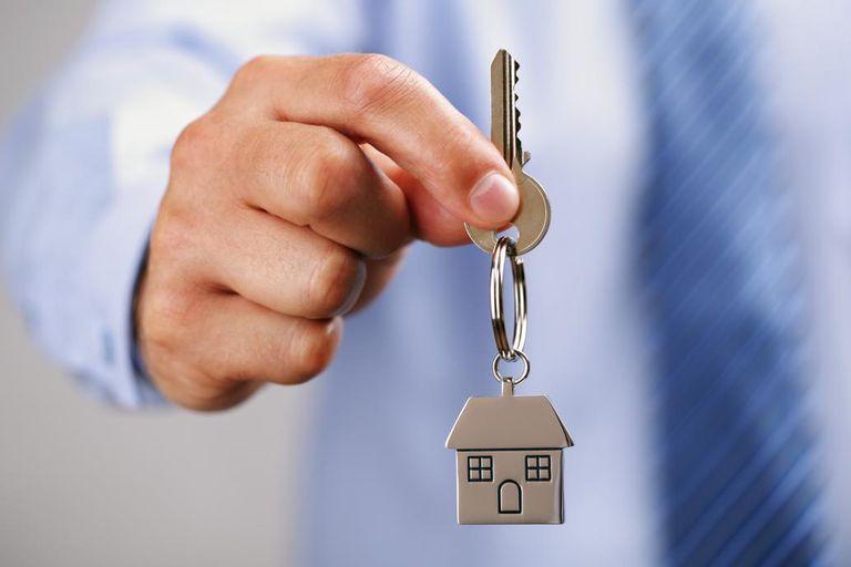La cuota de un crédito hipotecario para comprar un departamento usado es más alta que el ingreso total de un trabajador registrado