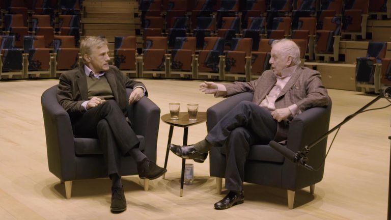 La conversación de dos hombres inteligentes