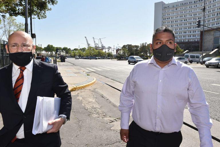 El abogado Fernando Soto y el policía Luis Chocobar