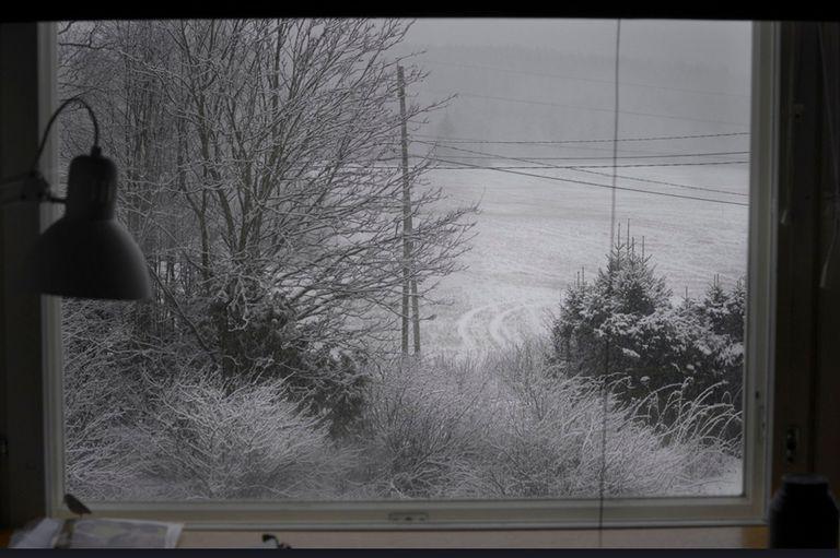 "Solange Baques, varada en Finlandia, trabaja en la serie ""A través de la ventana"""