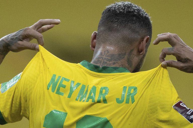 Neymar, amado y criticado en Brasil, tiene el apoyo de Tite, el entrenador que cuenta con él aunque apueste por la rotación ante Uruguay.