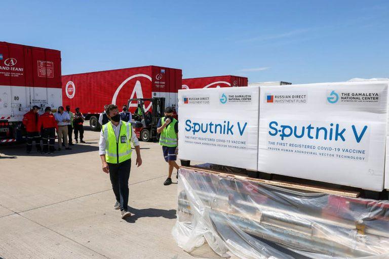 La semana próxima, otro vuelo de Aerolíneas traerá consigo 300.000 nuevas dosis de la vacuna Sputnik V
