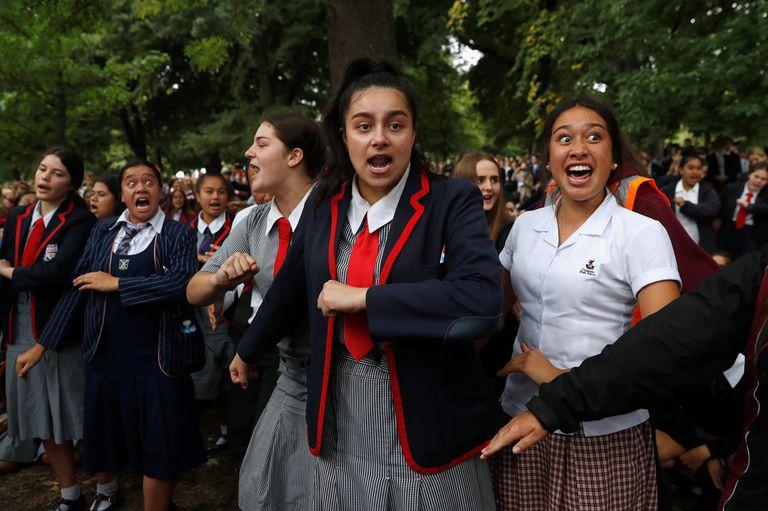 """Masacre en Nueva Zelanda: el """"haka"""", el emotivo homenaje a las víctimas"""