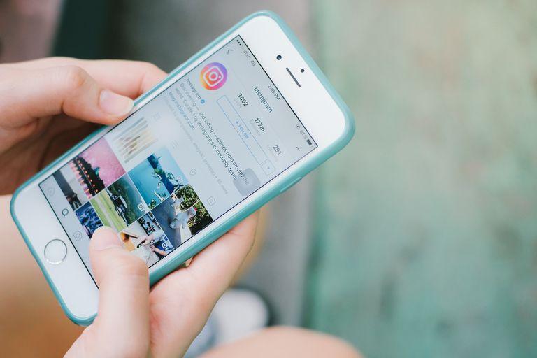 Ante un comportamiento de uso no adecuado, Instagram podrá solicitar la verificación de identidad del usuario para evitar el comportamiento no auténtico con bots o con una gran cantidad de seguidores diferentes al país de origen del usuario