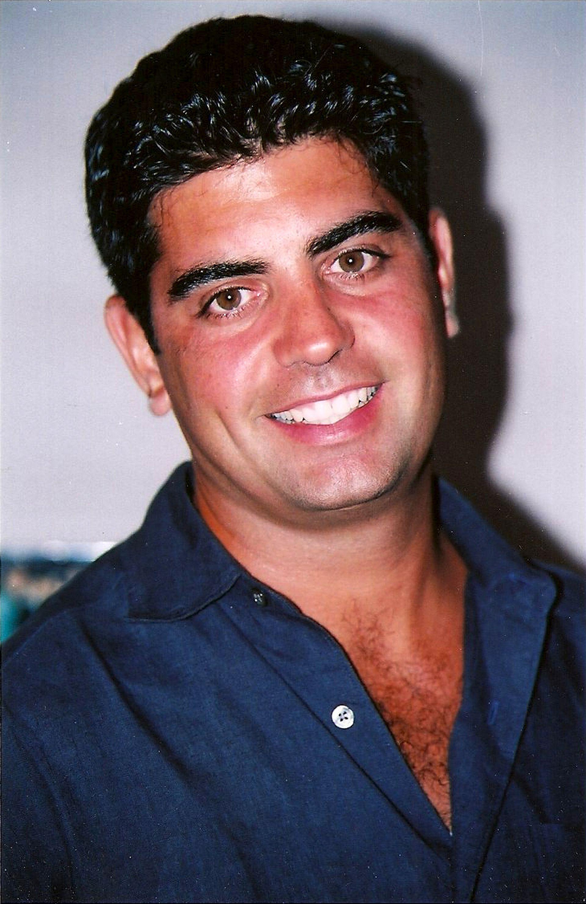 Sergio Villanueva, oriundo de Bahía Blanca, tenía 33 años y ejercía como bombero al momento del atentado; le correspondía volver a su casa, pero se dirigió al World Trade Center a colaborar con el combate de los incendios (Gentileza: Tanya Villanueva Tepper)