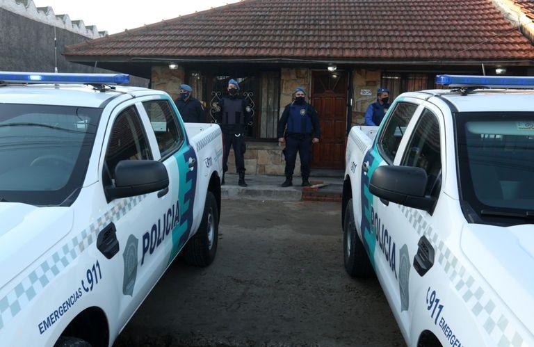 La policía bonaerense hizo una serie de allanamientos en Mar del Plata en una causa por estafas