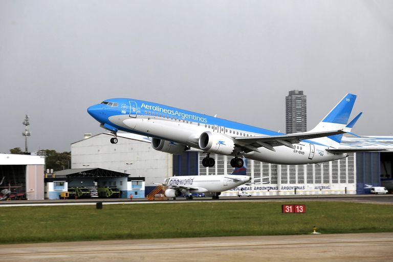 Volar fuera del país, algo que no está permitido durante la cuarentena. Habrá vuelos de repatriación de los argentinos que están en el exterior
