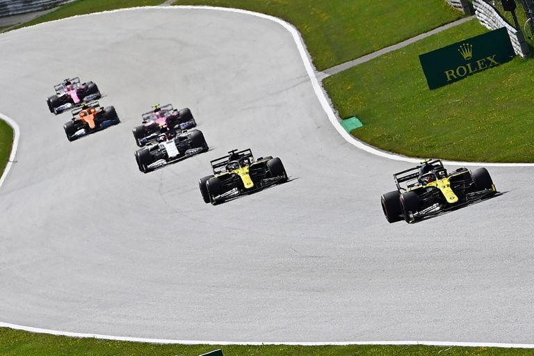 La Fórmula 1 sigue poniéndose al día... velozmente: en Hungría efectúa su tercera carrera en tres domingos.