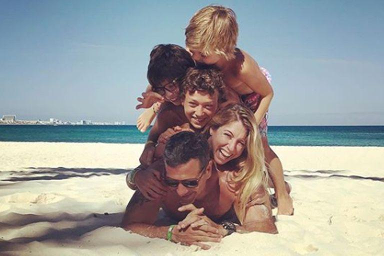 Florencia Bertotti y una divertida postal familiar desde Cancún