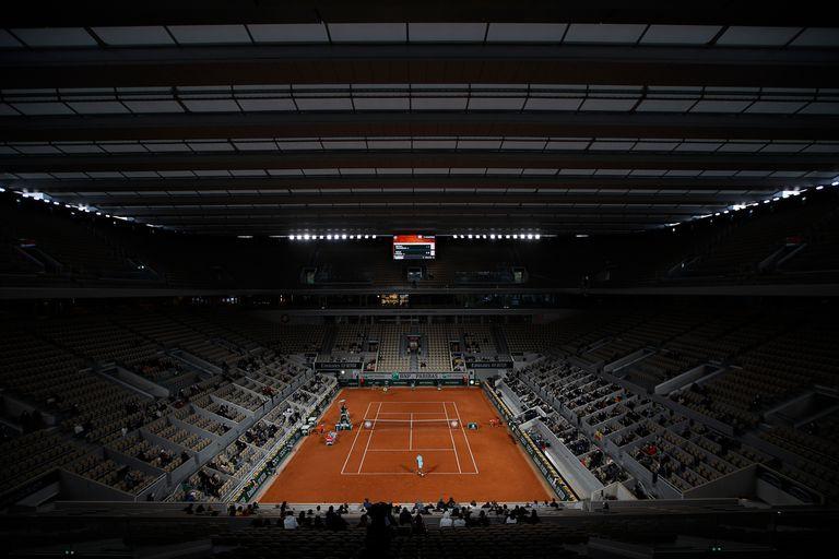 Roland Garros: Rafael Nadal jugó por primera vez bajo el techo y dio su opinión