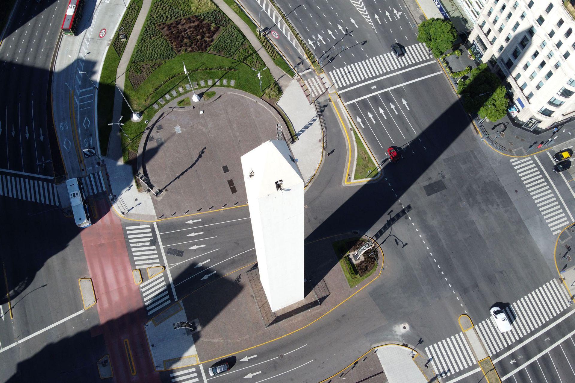 Vista del Obelisco en la ciudad de Buenos Aires