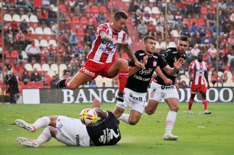 Copa de la Superliga: Unión se lució, goleó 3 a 0 y enfrentará a Tigre