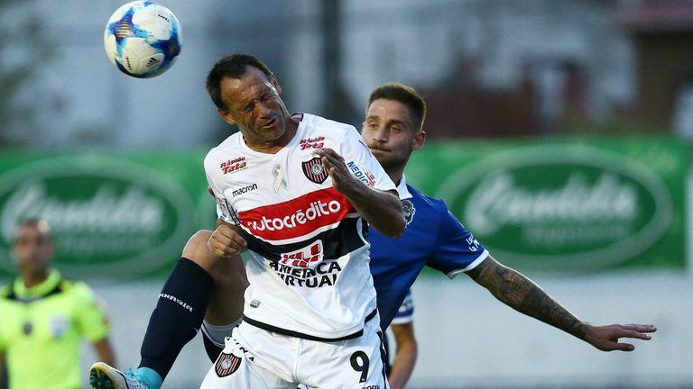 Mauro Matos debuta en Chacarita