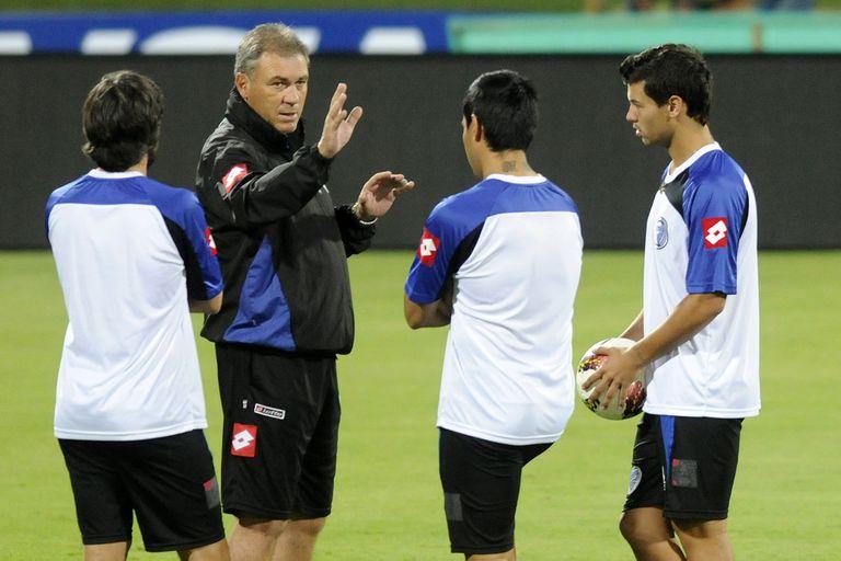 """Pumpido entrenador, en Godoy Cruz, en Unión, en México o en Paraguay; """"A mí no me vas a ver golpeando una puerta o llamando a un representante para que me lleve por ahí. No. No me gusta eso, ni lo hice ni lo voy a hacer nunca"""""""