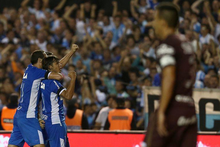 Romero festeja su gol en el Cilindro