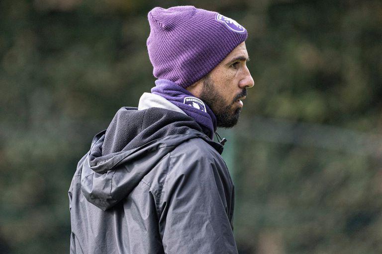 Losada comenzó su carrera de entrenador en Beerschot, el club de Bélgica en el que se retiró como futbolista