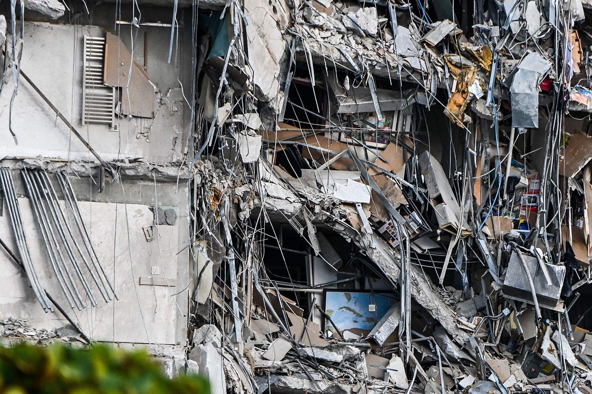 El Champlain Towers se derrumbó durante la madrugada
