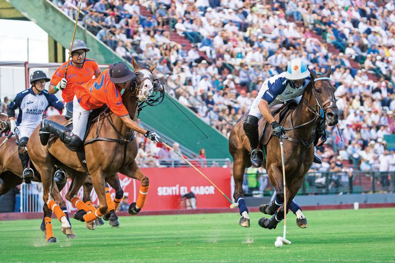 Si bien las Monjitas arrancó dominando el partido; el equipo de Cañuelas se impuso ante el equipo naranja.
