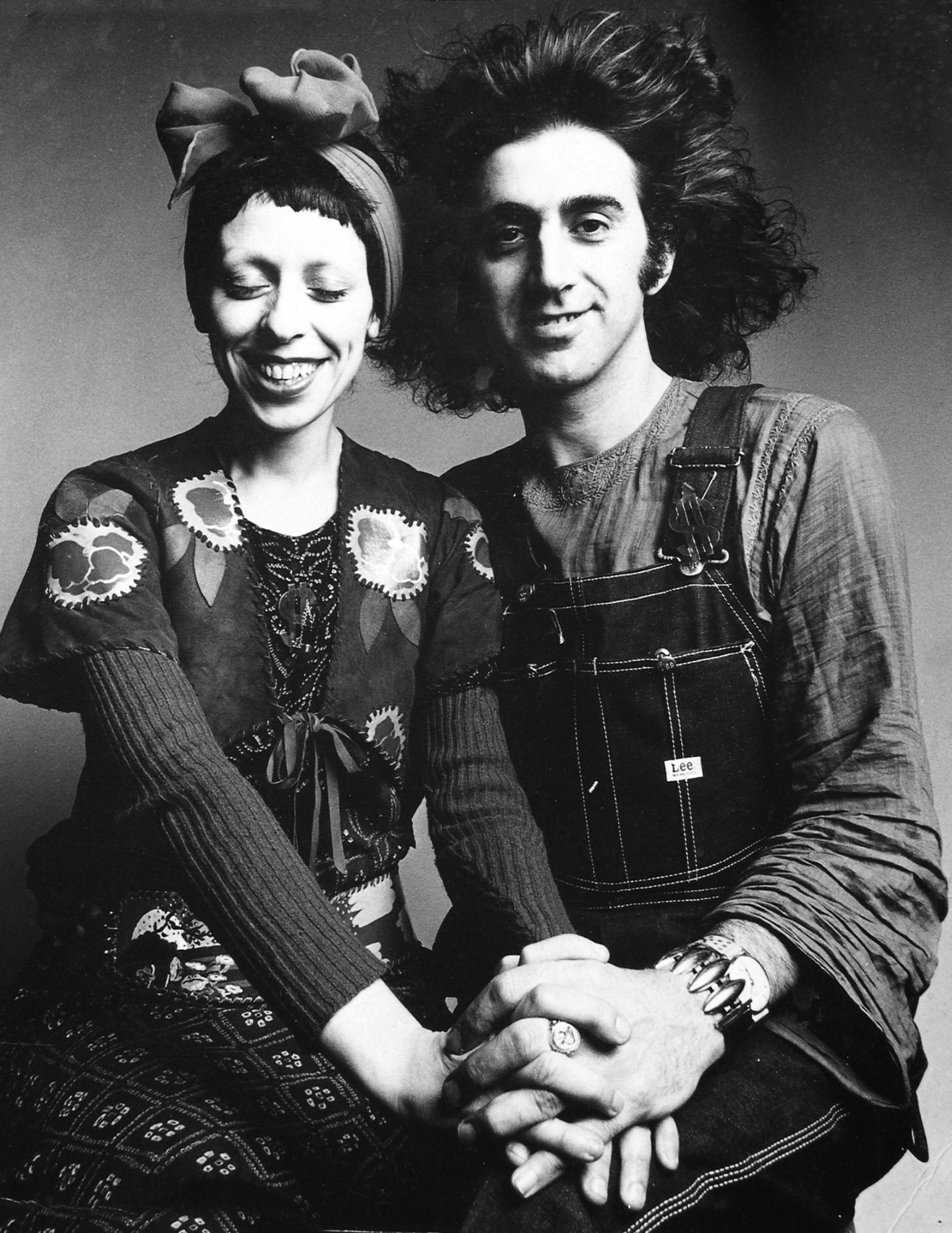 Palo y Delia en Vogue, retratados por Barry Lategan. Fue el primer dúo de la plástica argentina