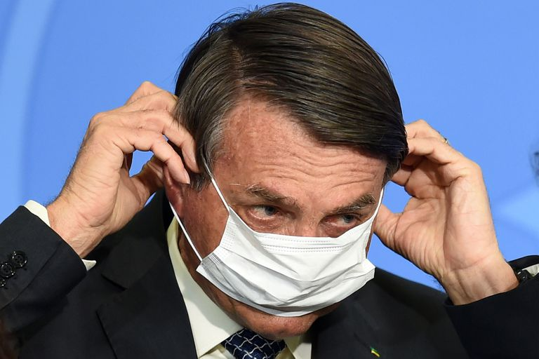 """Coronavirus. Bolsonaro insiste en minimizar la pandemia: """"Es como una lluvia"""""""