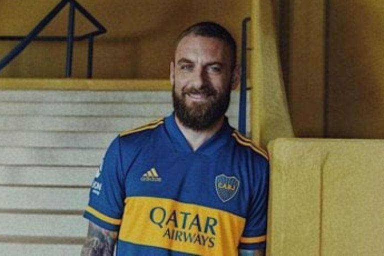 Boca: Cómo es la nueva camiseta y qué futbolistas estarán en las gráficas