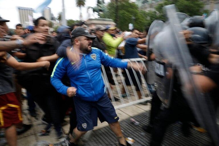 Los lamentos y las justificaciones que siguieron al traumático velatorio de Diego Maradona parecen indicar que en la Casa Rosada la realidad se padece. Y, en el mejor de los casos, se administran consecuencias. Pero solo en raras ocasiones se conduce