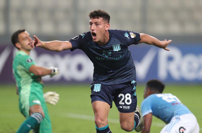 Tomás Chancalay festeja su gol durante el partido de Copa Libertadores entre Racing Club y Sporting Cristal.