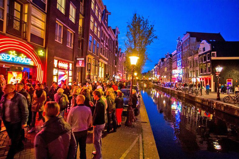 """¿Ciudad de la """"droga y del sexo""""? Harta, Ámsterdam transforma radicalmente su modelo turístico"""
