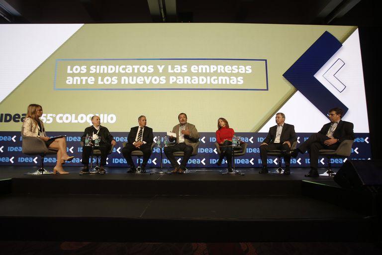 Empresarios y sindicalistas, ayer, en un mismo panel en Mar del Plata