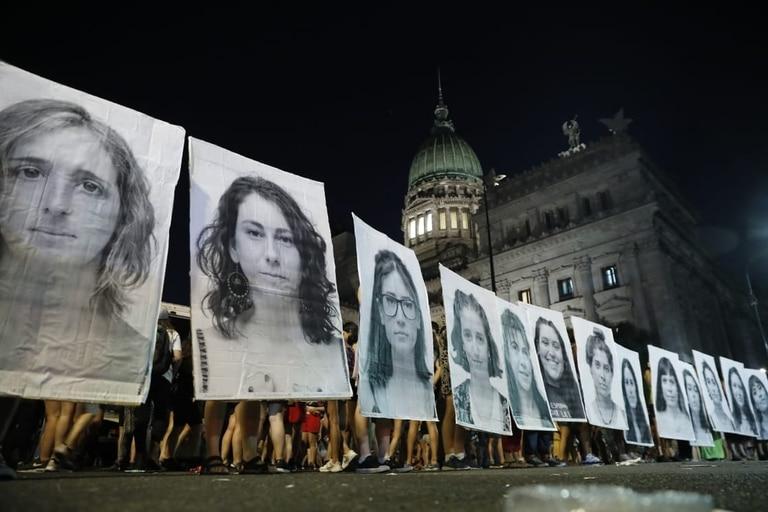 Marcha 8M frente al Congreso de la Nación