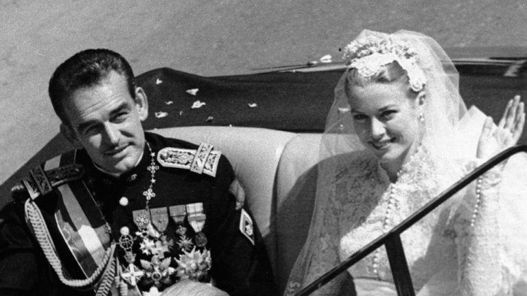 La boda real se celebró el 19 de abril de 1956, en la Catedral de Mónaco
