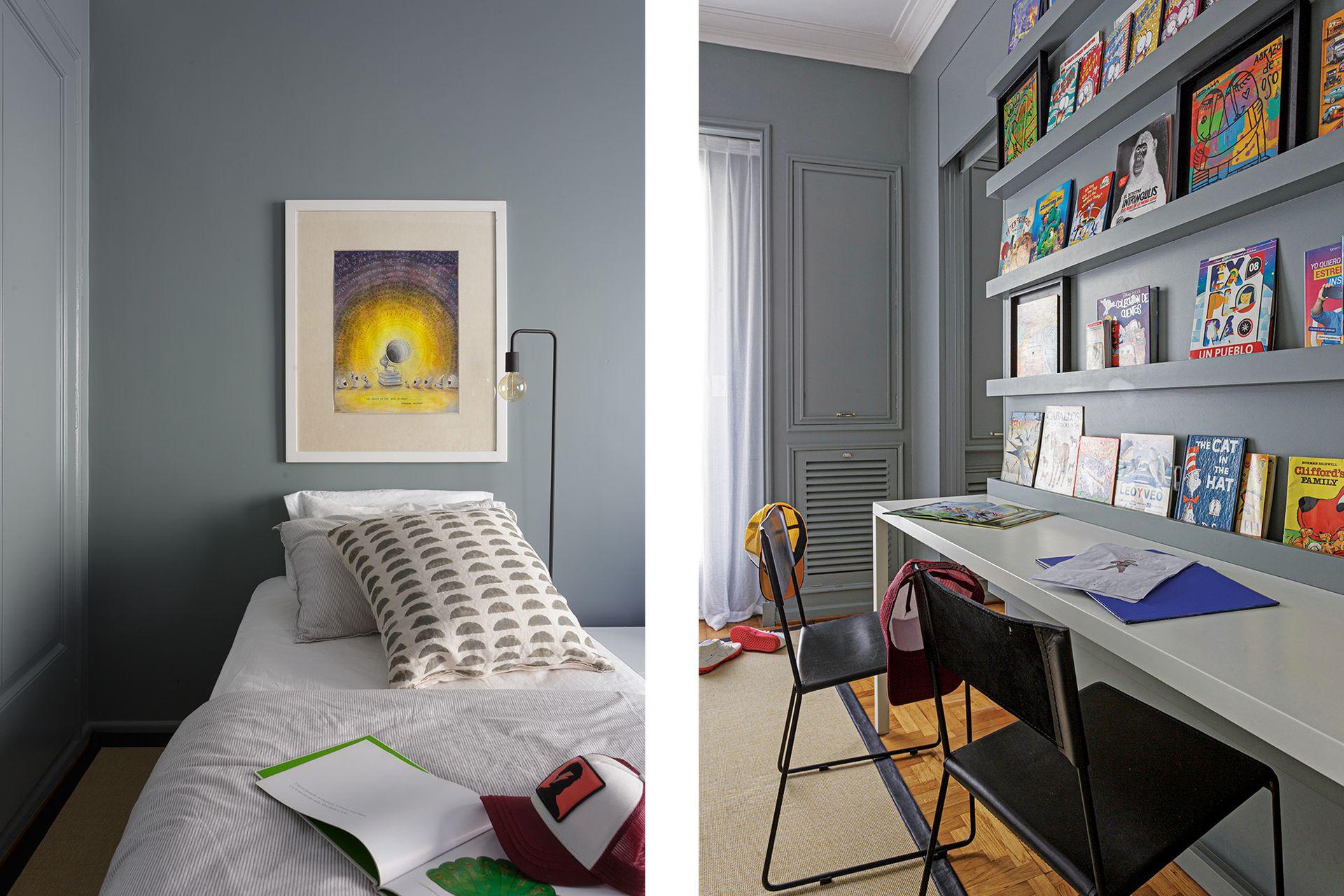 Sobre el escritorio hecho a medida, la biblioteca exhibe sus libros favoritos. Sillas cromadas modelo 'Q' con asiento y respaldo de cuero (Cúmulo).