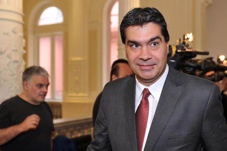 El gobernador había comparado la política económica de la dictadura militar con la economía de Macri