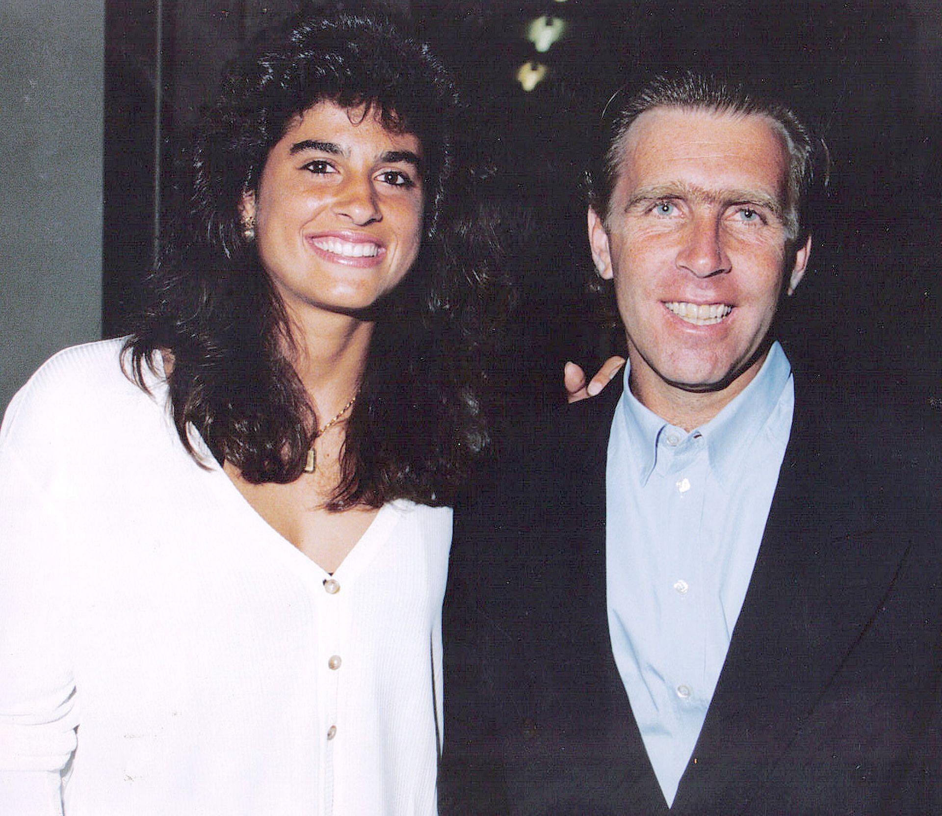 22) El brasileño Carlos Kirmayr fue el entrenador que más potenció a Sabatini en el profesionalismo. Comenzaron a trabajar juntos en Wimbledon 1990 (Gaby se hizo más ofensiva y llegó a las semifinales) y ese año la argentina logró el US Open.