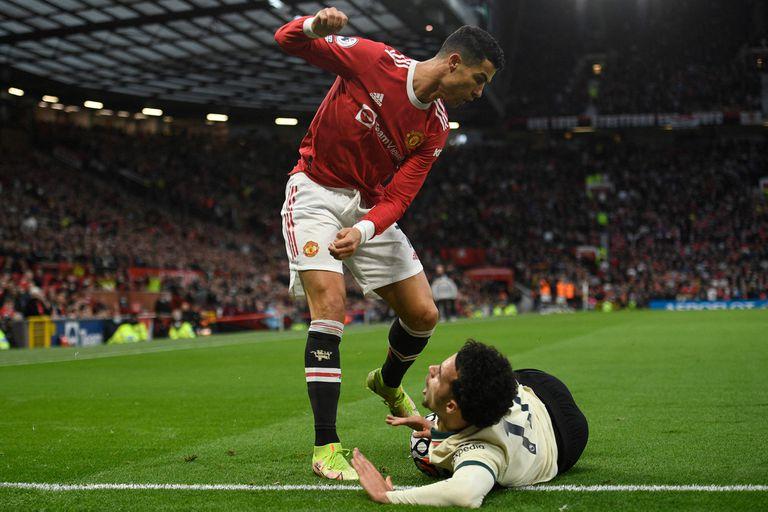 CR7, descontrolado: una patada desleal en la dura goleada que sufrió el United ante Liverpool