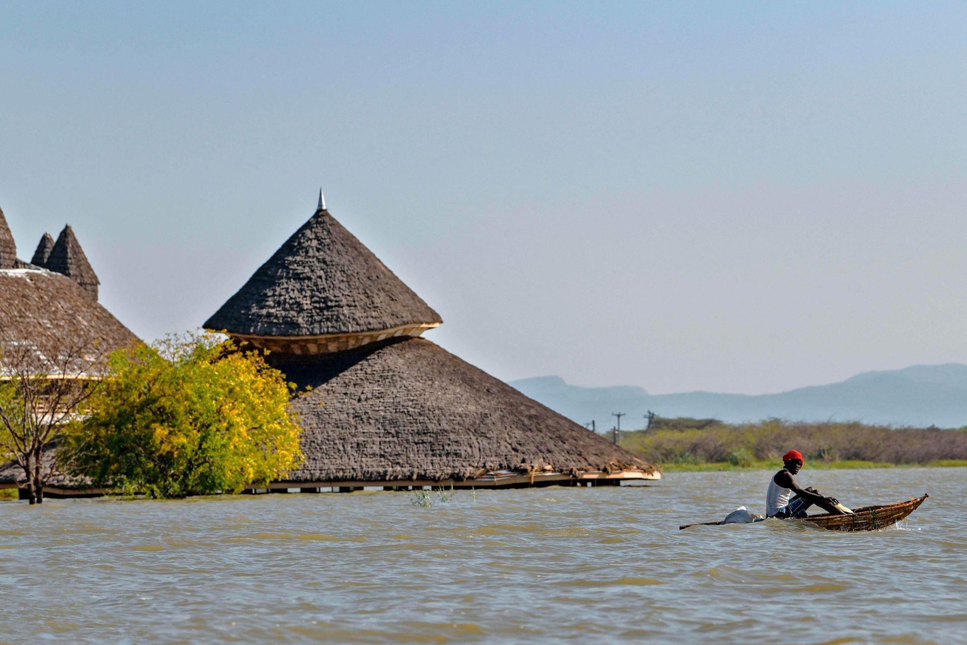 Baringo ha crecido más de 70 km2 desde 2011, un fenómeno que se ha acelerado considerablemente este año, dejando bajo el agua todo lo que encontró en su camino