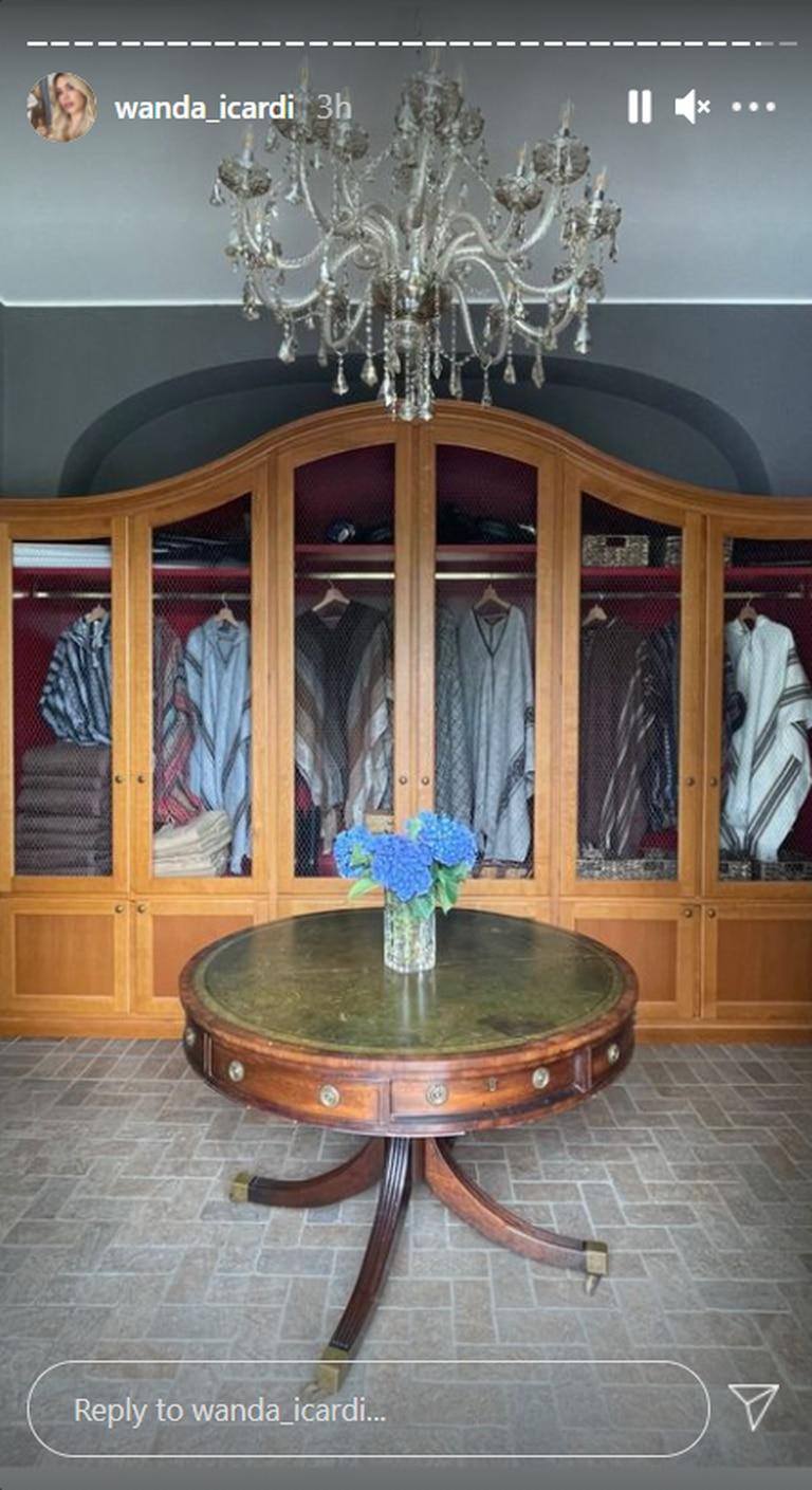 El exclusivo armario que tiene Wanda Nara en su casa de campo en las afueras de Milán