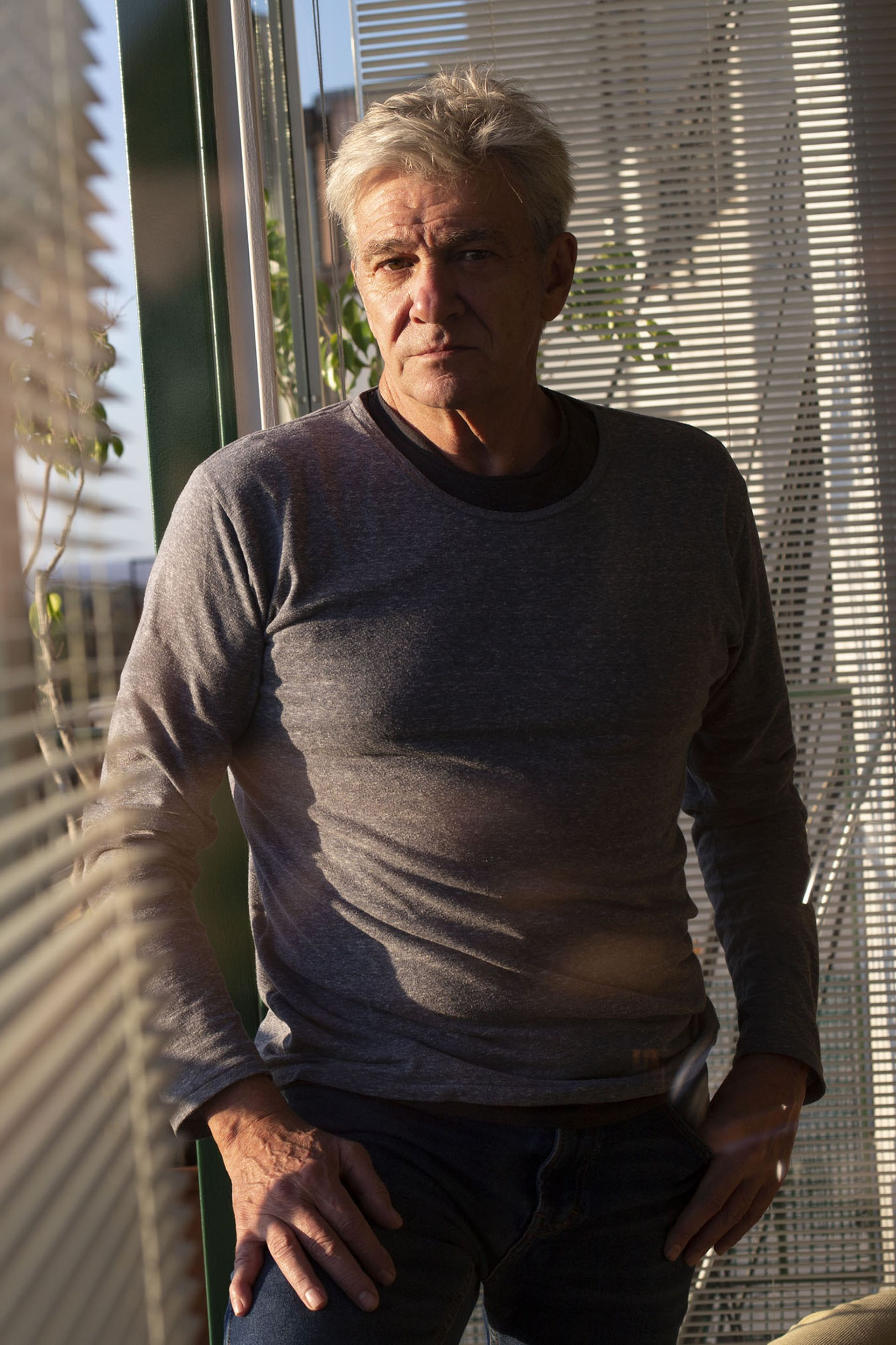 """""""Compito con chicos de 20 y yo tengo 68"""", cuenta Fernando Lúpiz sobre una de sus grandes pasiones, la esgrima"""