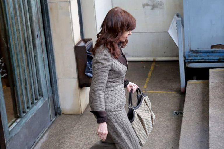 El juez tiene que resolver la situación de todos los indagados en la investigación sobre los sobornos del kirchnerismo