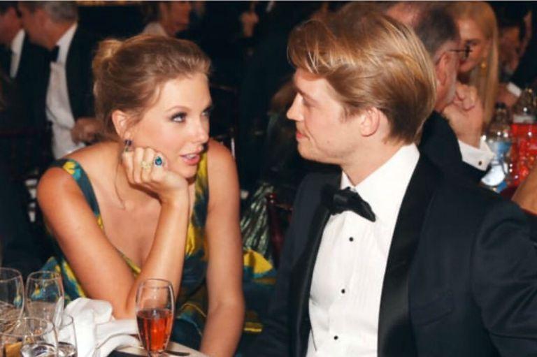 La romántica mirada de Taylor Swift a su novio que hizo estallar las redes