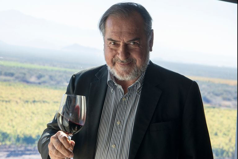Michel Rolland, el gurú francés que asesora bodegas argentina desde el norte hasta el sur del país