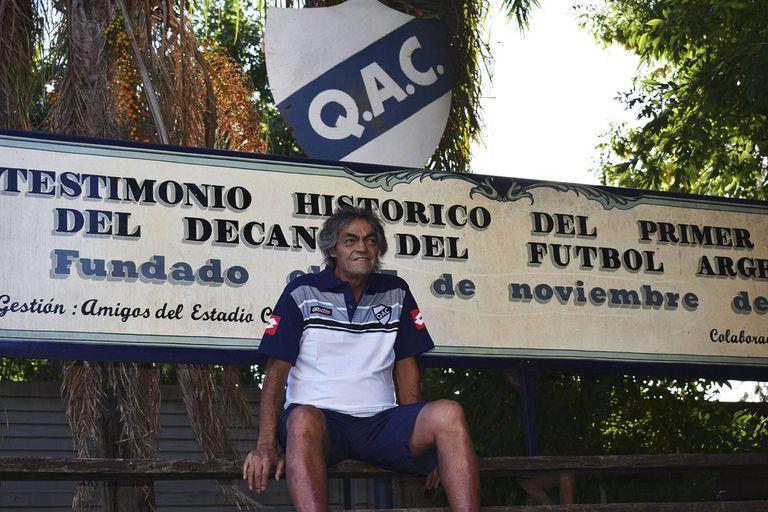 Omar 'Indio' Gómez, una de las grandes glorias de Quilmes, falleció este martes, a los 66 años, tras haber sufrido coronavirus