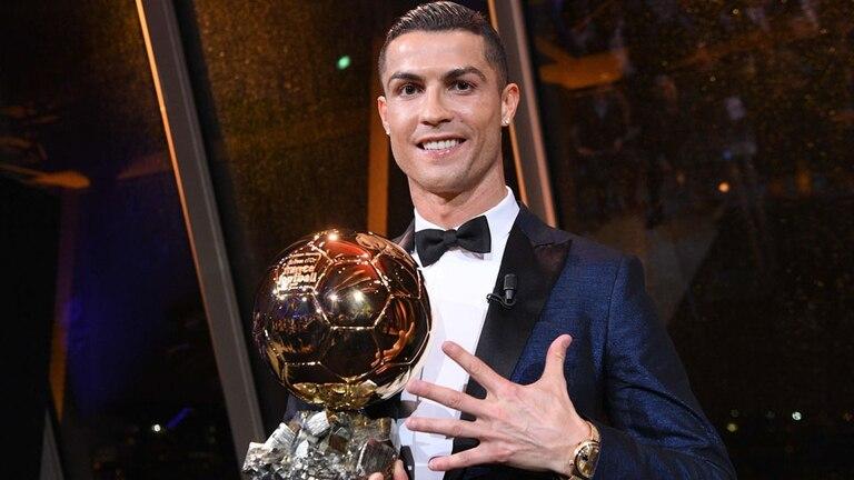 Cristiano ganó ayer su quinto Balón de Oro e igualó a Messi