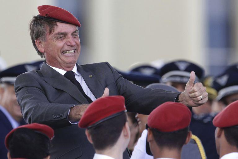Bolsonaro, en una ceremonia militar en Brasilia durante la campaña