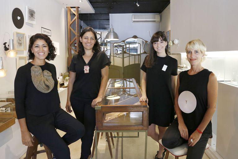 Carolina Bernachea, Anne Luz Castellanos, Bárbara D' Ambra y Cecilia Capisano